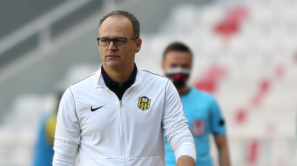 Yeni Malatyaspor, İrfan Buz ile 1 yıllık yeni sözleşme imzaladı