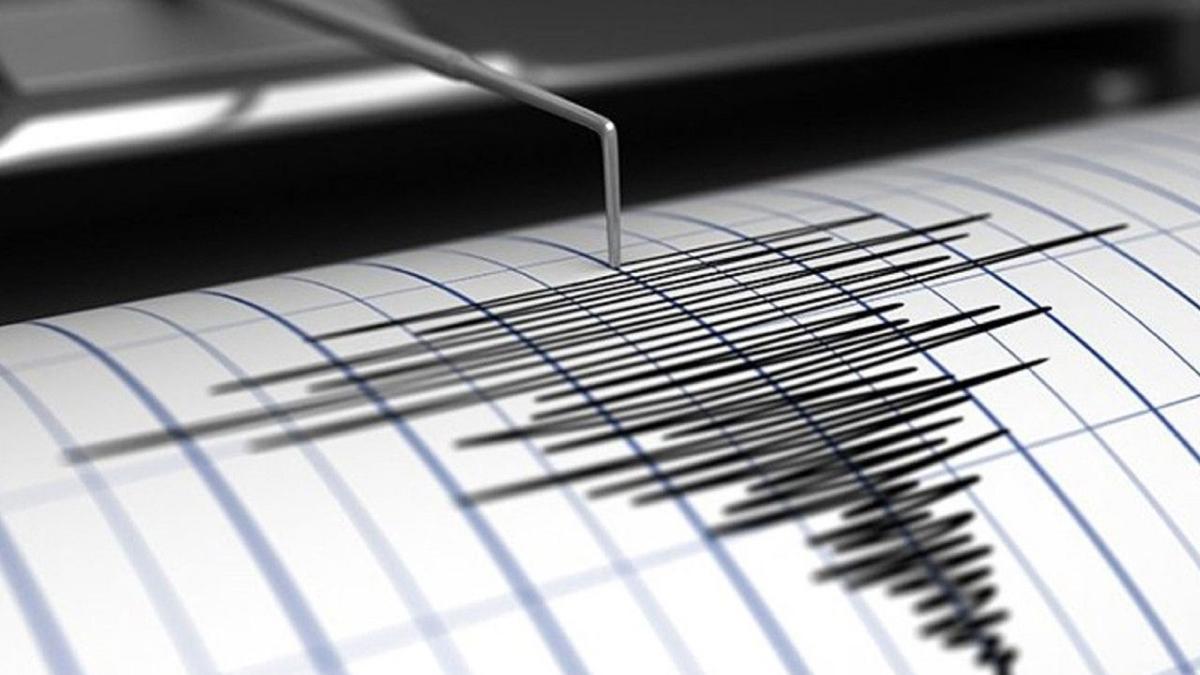 Endonezya'da 6.3 şiddetinde deprem oldu