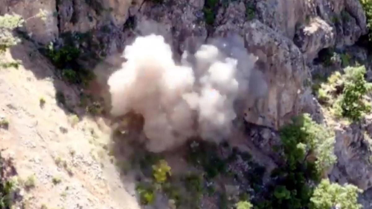 Milli Savunma Bakanlığı: Pençe operasyonunda mühimmat dolu mağara kullanılamaz hale getirildi
