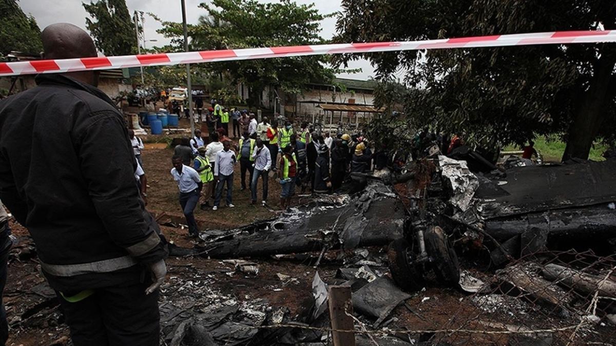 Nijerya'da askeri uçak kazası