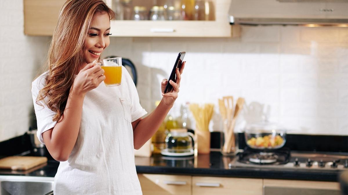 Her gün şekerli içecek tüketen kadınları bekleyen tehlike: Bağırsak kanseri