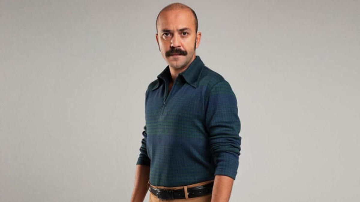 """Çukur'un Şahram'ı Sarp Akkaya kimdir, kaç yaşında"""" Sarp Akkaya aslen nereli, hangi dizilerde oynadı"""""""