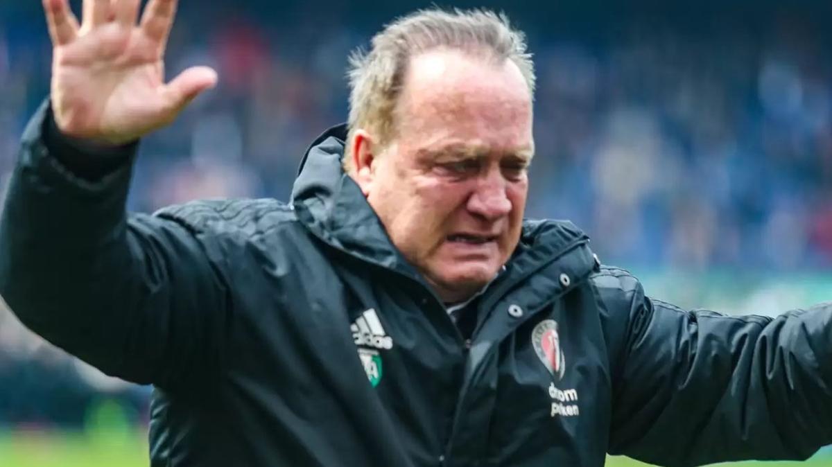 Dick Advocaat teknik direktörlük kariyerinin son maçına çıktı