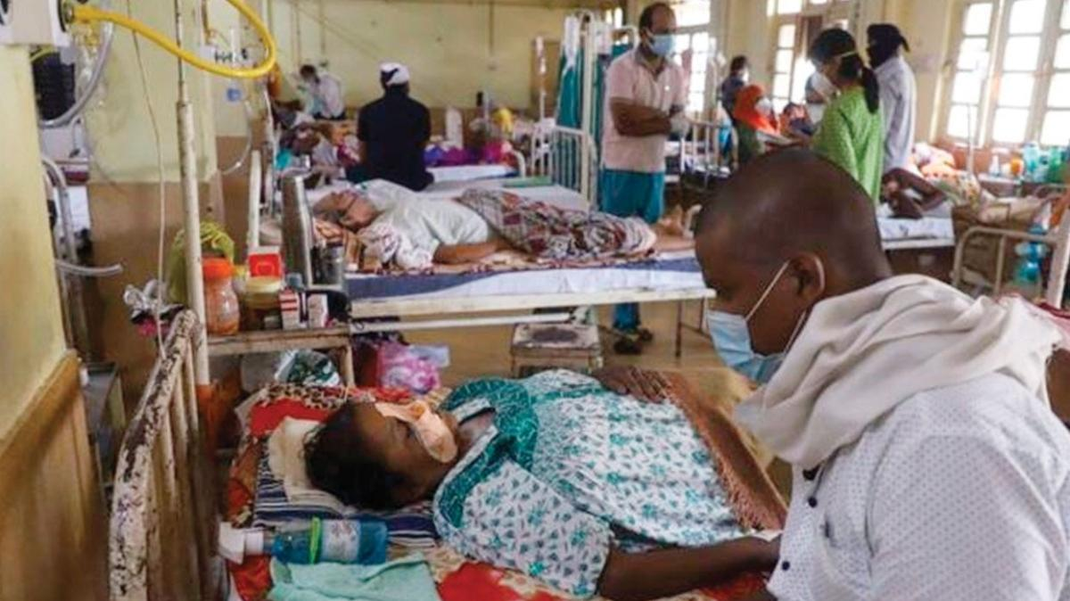 Hindistan'da 'Kara Mantar' alarmı! Binlerce hastanın gözleri çıkarıldı