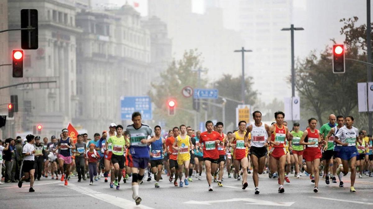 Maratonda hipotermi faciası! Ani gelen soğuk 21 koşucuyu öldürdü