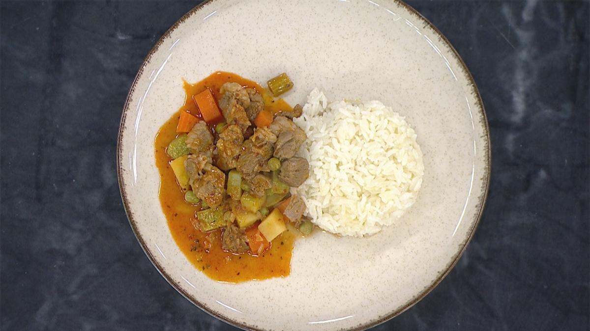 Akşam yemeğine kolay menü: Pilav eşliğinde orman kebabı tarifi