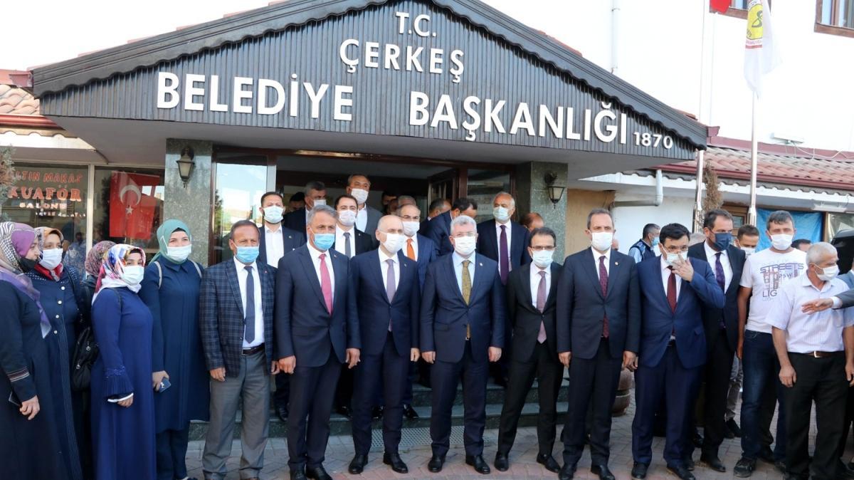 Bakan Karaismailoğlu, Çankırı'da ilçe belediyelerine ziyarette bulundu