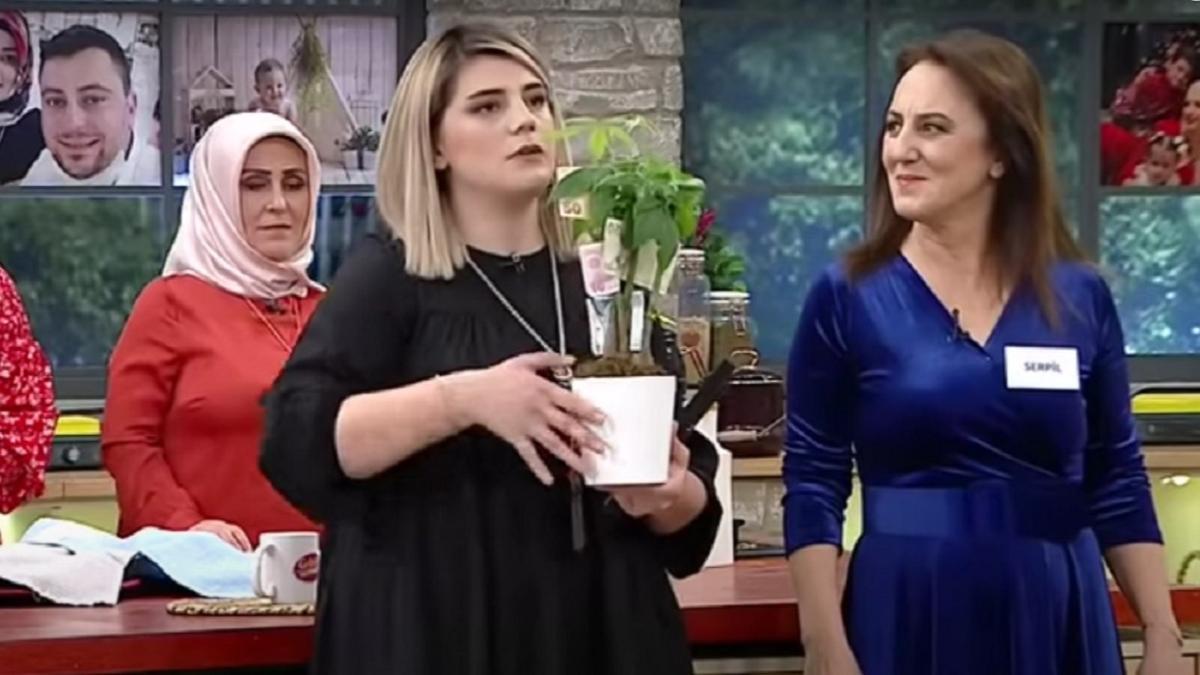 """Gelinim Mutfakta Neslihan ve kayınvalidesi Serpil kimdir"""" Gelinim Mutfakta Neslihan kaç yaşında, nereli"""""""