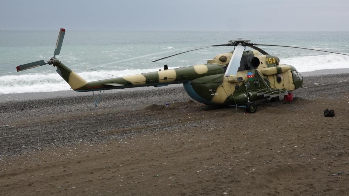 Giresun'da sahile zorunlu iniş yapmıştı... Azerbaycan'a ait askeri helikopter bölgeden ayrıldı
