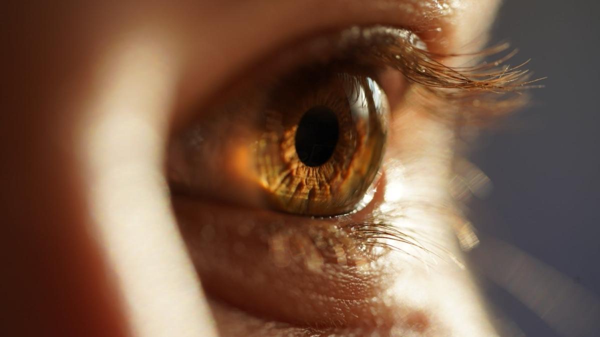 """Gözler hastalıkların aynası! Hangi hastalıklar hangi belirtileri veriyor"""""""