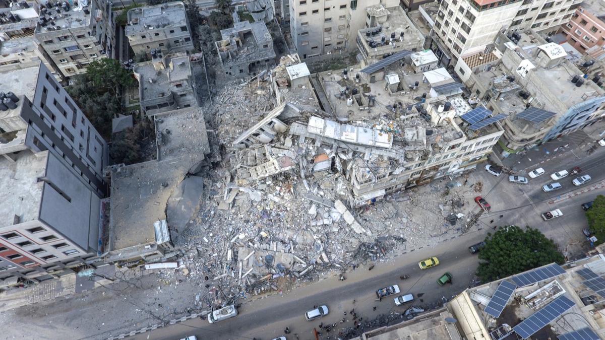 İsrail'in yerle bir ettiği Gazze'deki fabrikada 3 milyon dolarlık hasar oluştu