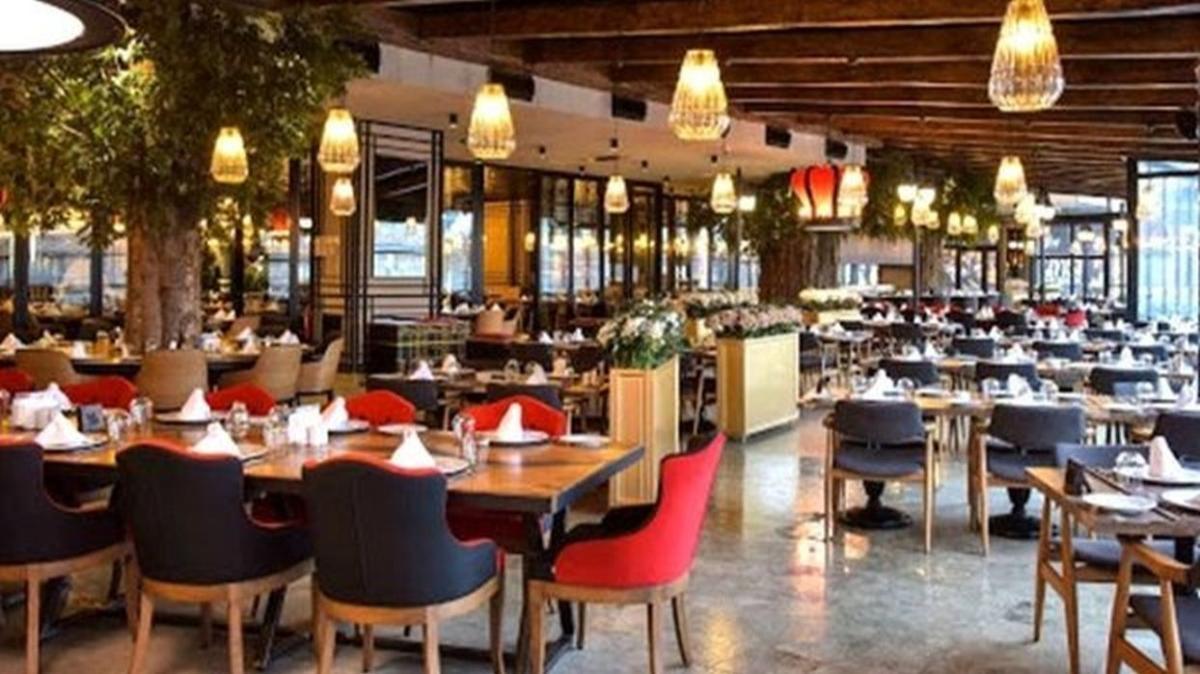 """Kafeler ve restoranlar açık mı"""" AVM'ler saat kaça kadar açık"""""""