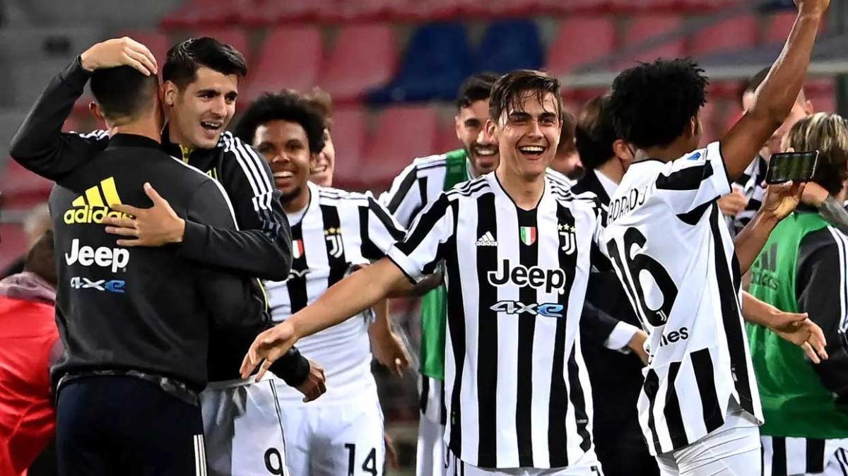 Napoli'nin ikramı Juventus'u Şampiyonlar Ligi'ne uçurdu