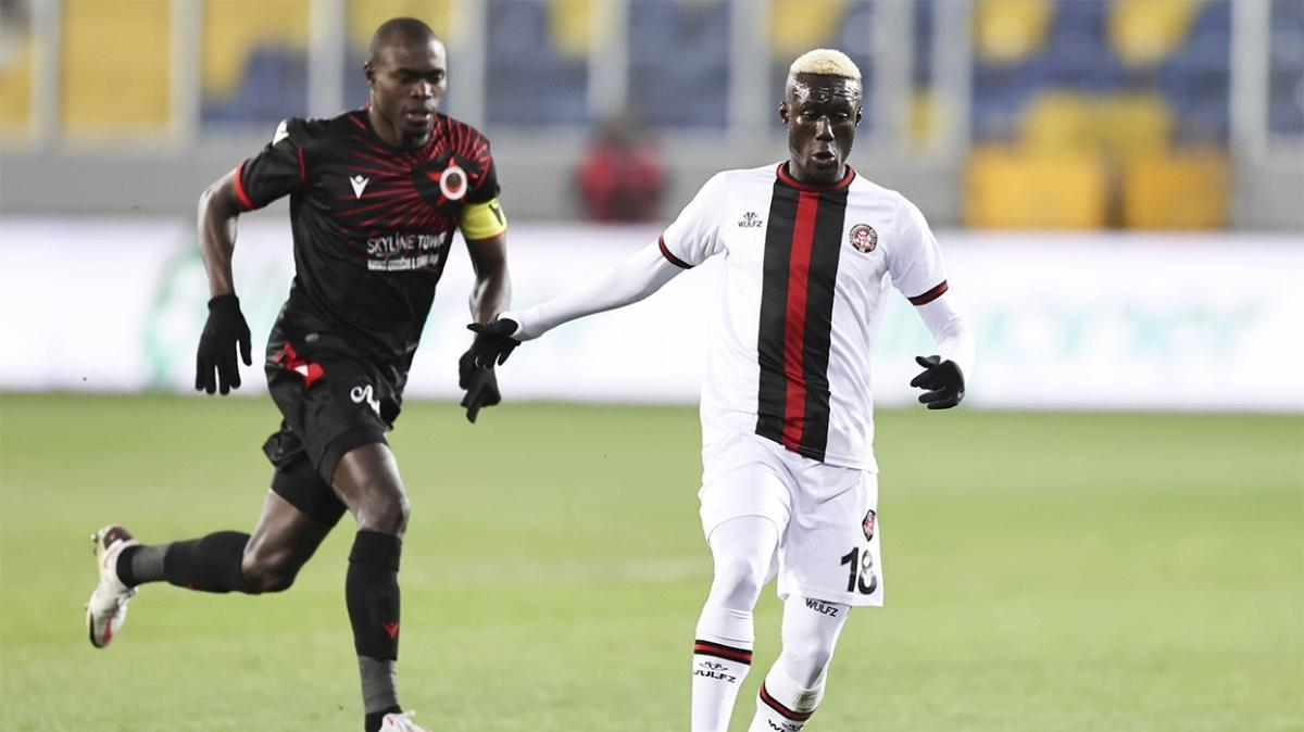 Son dakika Galatasaray haberleri... Sarı-kırmızılı kulüpten Alassane Ndao hamlesi
