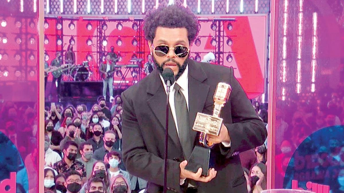 The Weeknd 10 ödülle Billboard gecesine damga vurdu