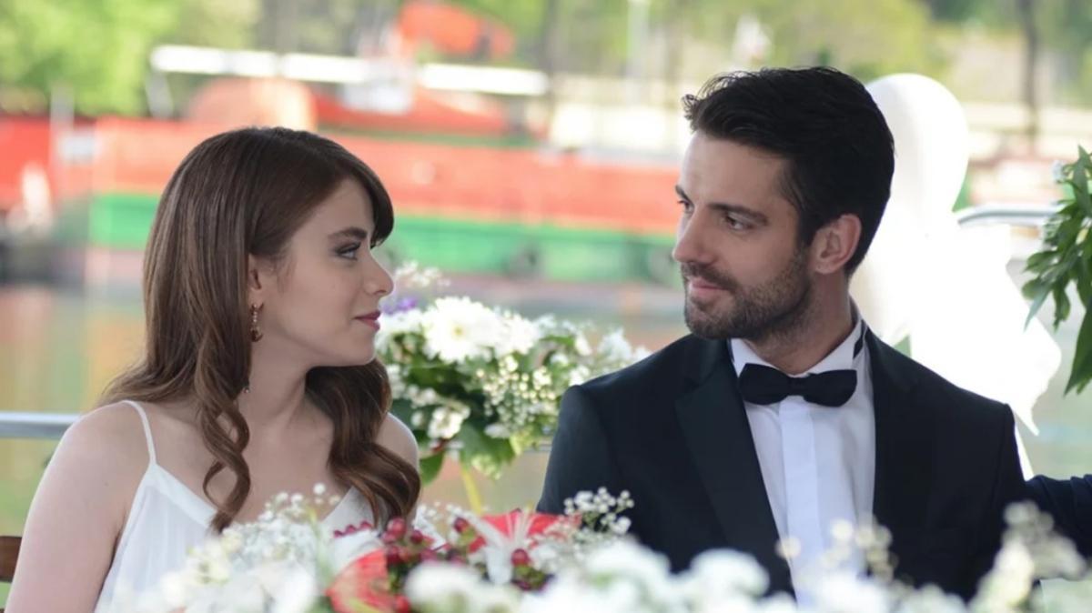 """Dizi aşkı gerçek mi oldu"""" Masumiyet'in yıldızları İlayda Alişan ve Serkay Tütüncü tatile çıktı"""