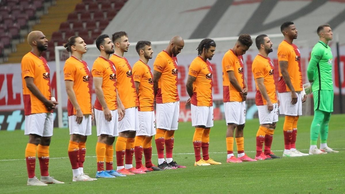 Galatasaray'da sıra Ömer Bayram ve Emre Akbaba'ya geldi