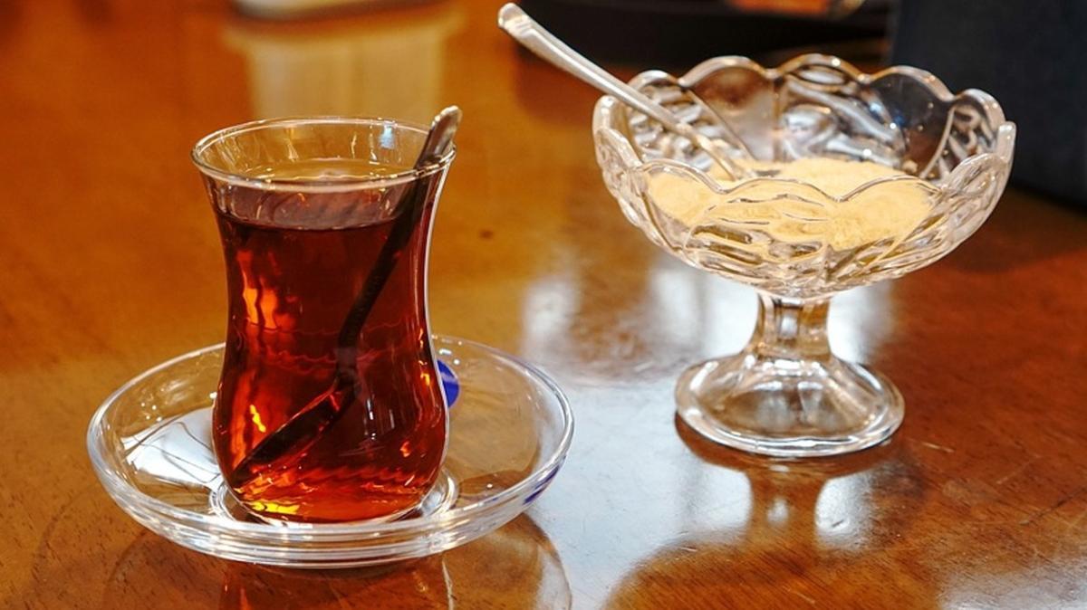 """Sıkıntılı anlarda neden en çok çay içilir"""""""