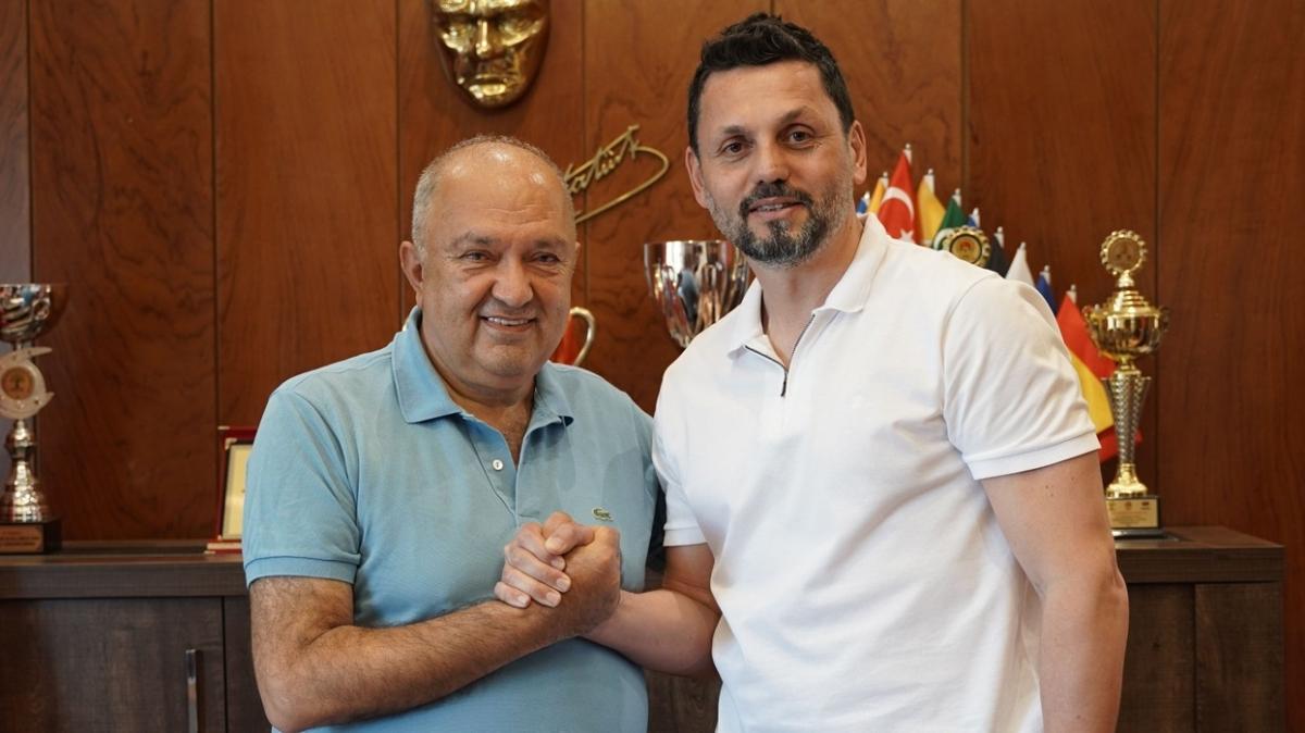 Son dakika transfer haberi: Erol Bulut, Benjamin Tetteh'i Gaziantep FK'ye getiriyor