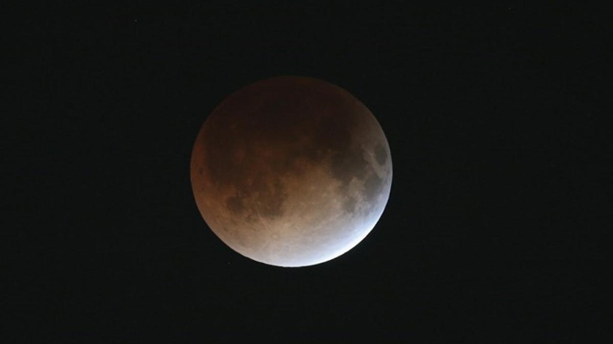 """Ay tutulmasında baş ağrısı olur mu"""" 26 Mayıs Ay tutulmasının etkileri neler, kaç gün sürecek"""""""