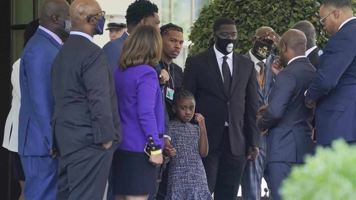 ABD Başkanı Joe Biden, George Floyd'un ailesini Beyaz Saray'da ağırladı