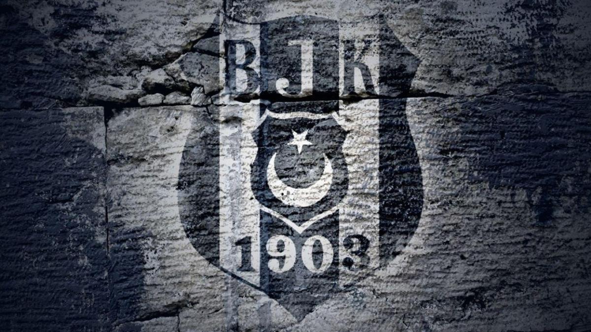 Beşiktaş'ta Erol Kaynar görevinden istifa etti