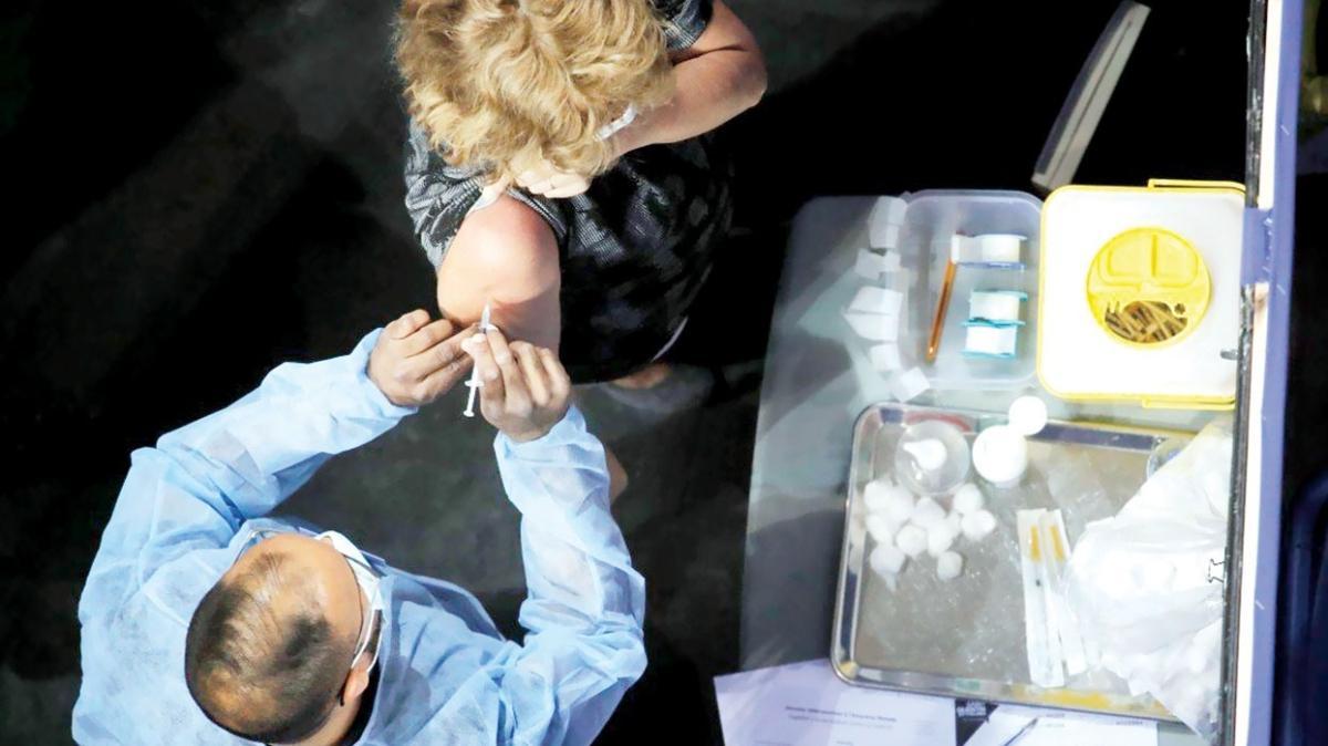 Fenomenlere 'karalama' teklifi! BioNTech'i kötüle 2 bin 500 doları kap