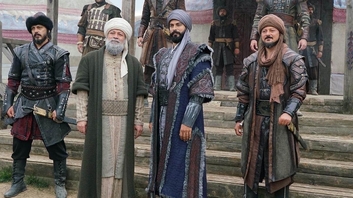 Osman Bey, Malhun Hatun'la evleniyor! Togay göç yolundaki Kayı Obası'na saldırıyor