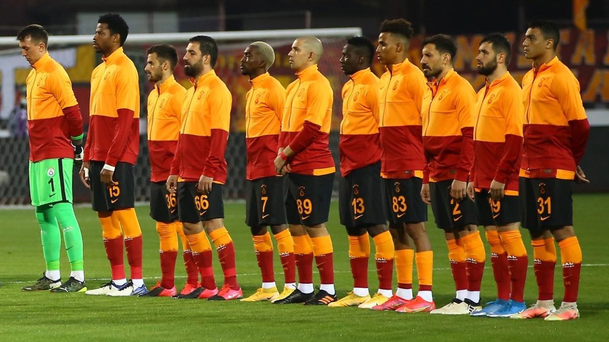Son dakika haberi: Galatasaray'da Falcao ve Feghouli gözden çıkarıldı