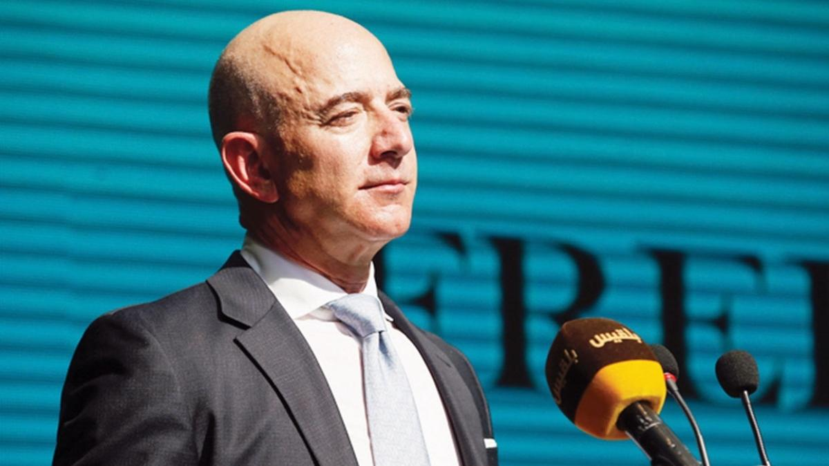 Amazon'un kurucusu Jeff Bezos görevi bırakıyor