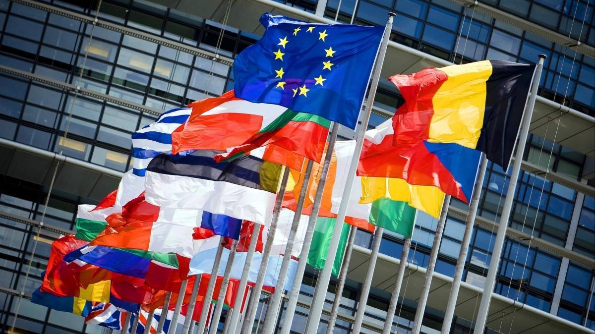 Avrupa Birliği Suriye yaptırımlarını 1 yıl uzattı