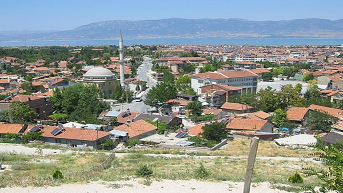 Burdur Kozluca Köyü'nde besi çiftliği icradan satılıyor!