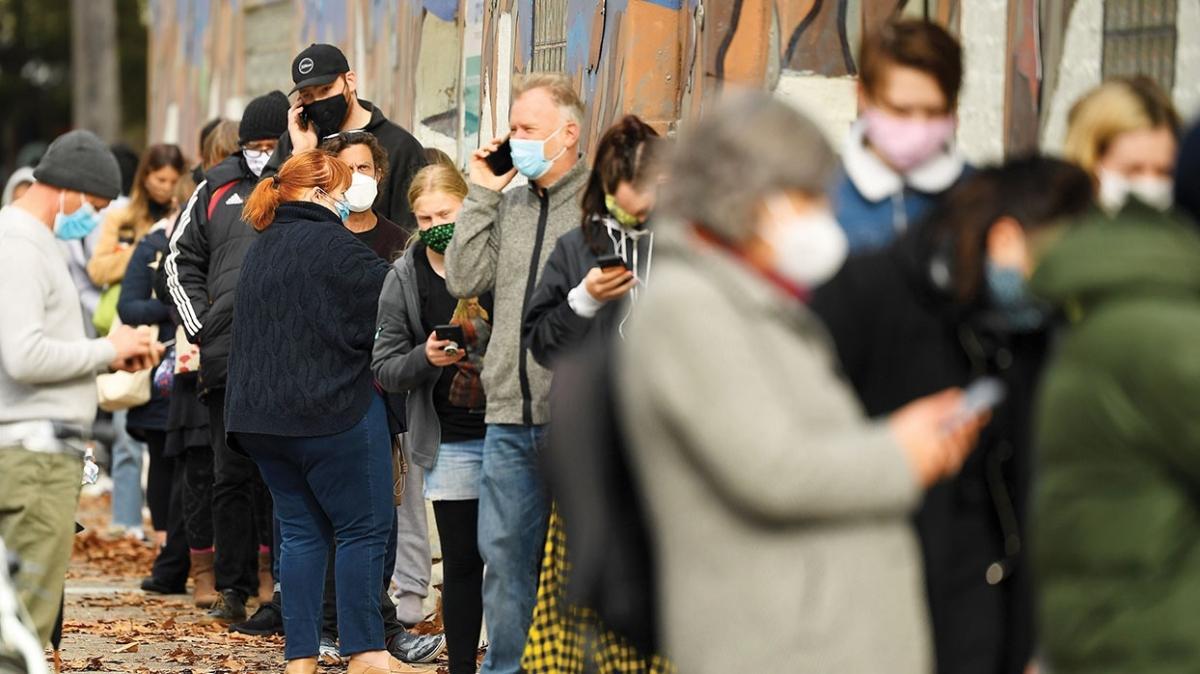 Günlük vaka sadece 26! Kapanma paniği marketleri boşalttı