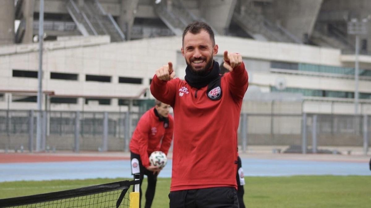 Son dakika transfer haberi: Hatayspor, Emre Çolak ile 2 yıllık sözleşme imzaladı