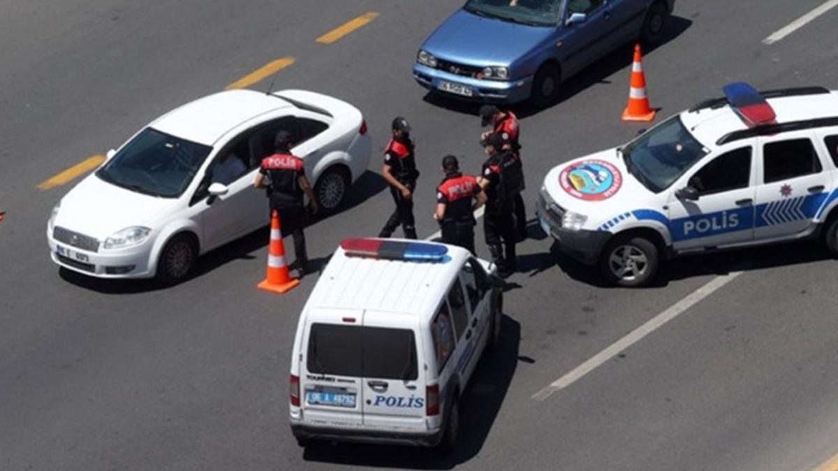 Türkiye genelinde eş zamanlı Huzurlu Sokaklar ve Terör Suçları Uygulaması
