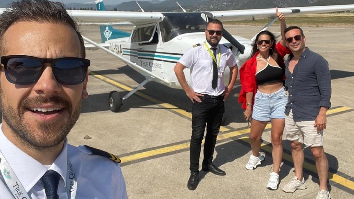Ümit Erdim oyuncuyken pilot oldu... İlk yolculuğunda ünlü isimleri uçurdu