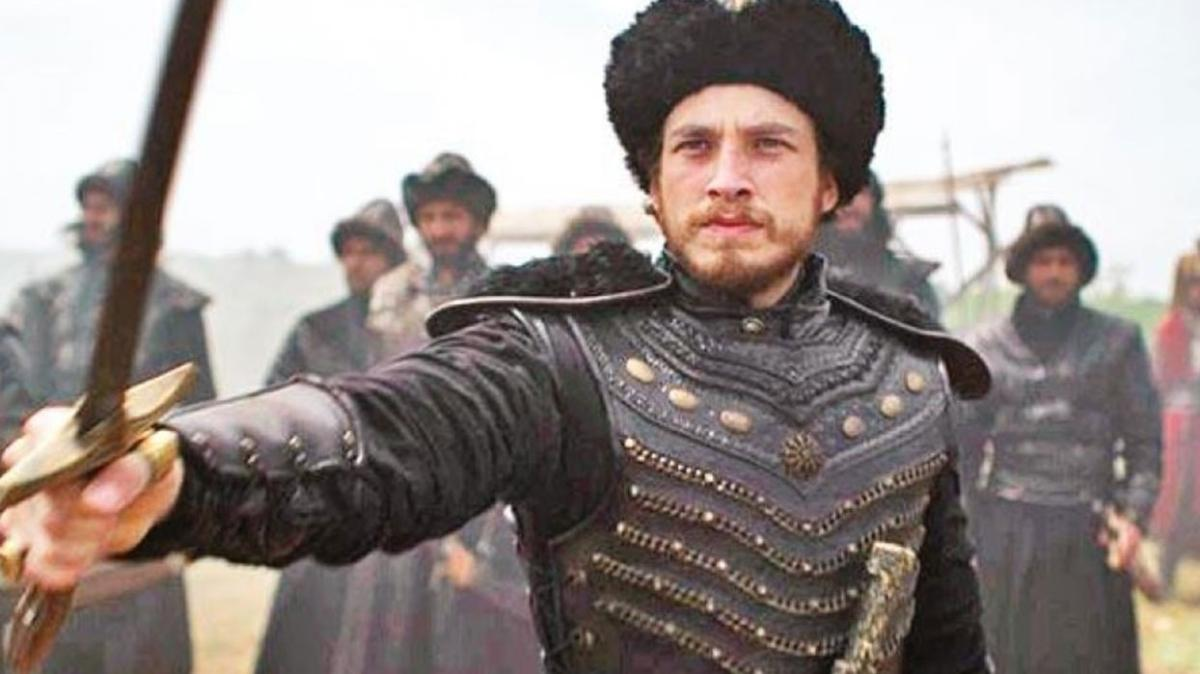 """Cem Yiğit Üzümoğlu kimdir, kaç yaşında"""" Osmanlı: Bir İmparatorluğun Yükselişi'nde Fatih Sultan Mehmet'i kim canlandırıyor"""""""