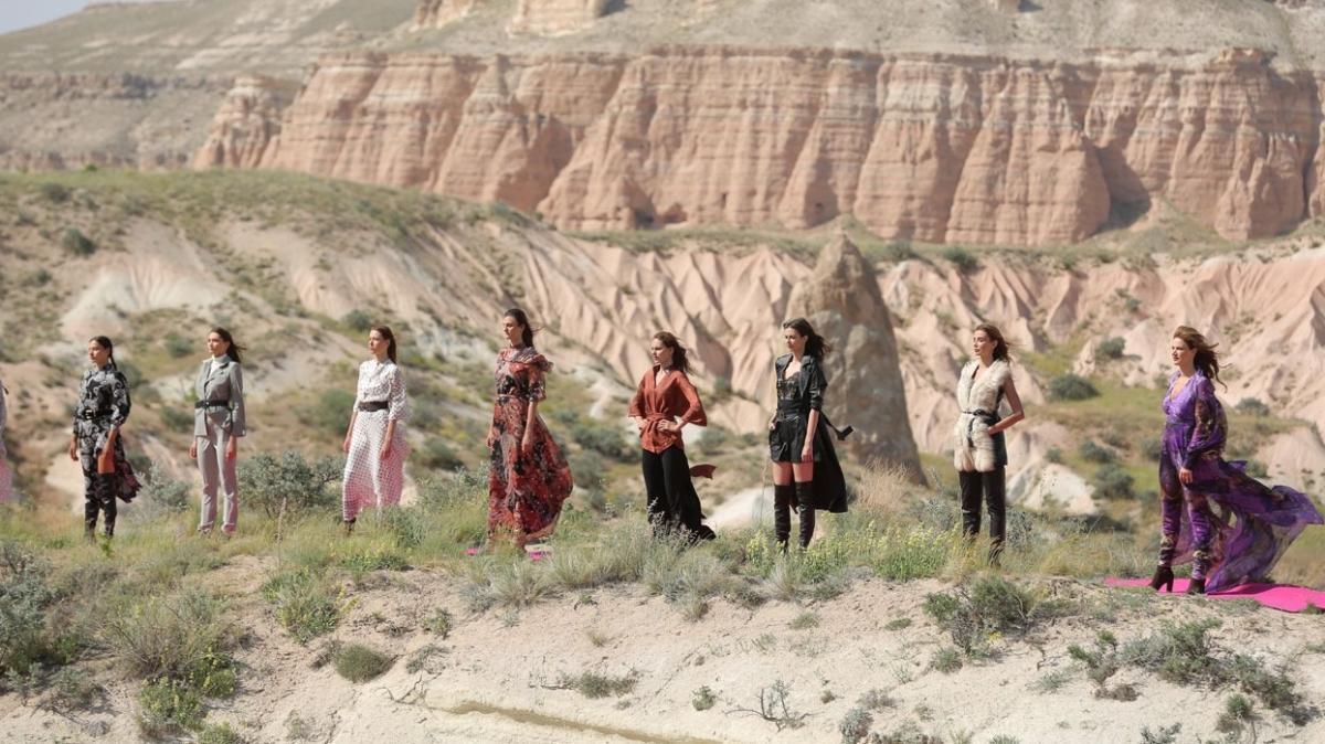 Dosso Dossi Fashion Show'un Kapadokya çıkartması
