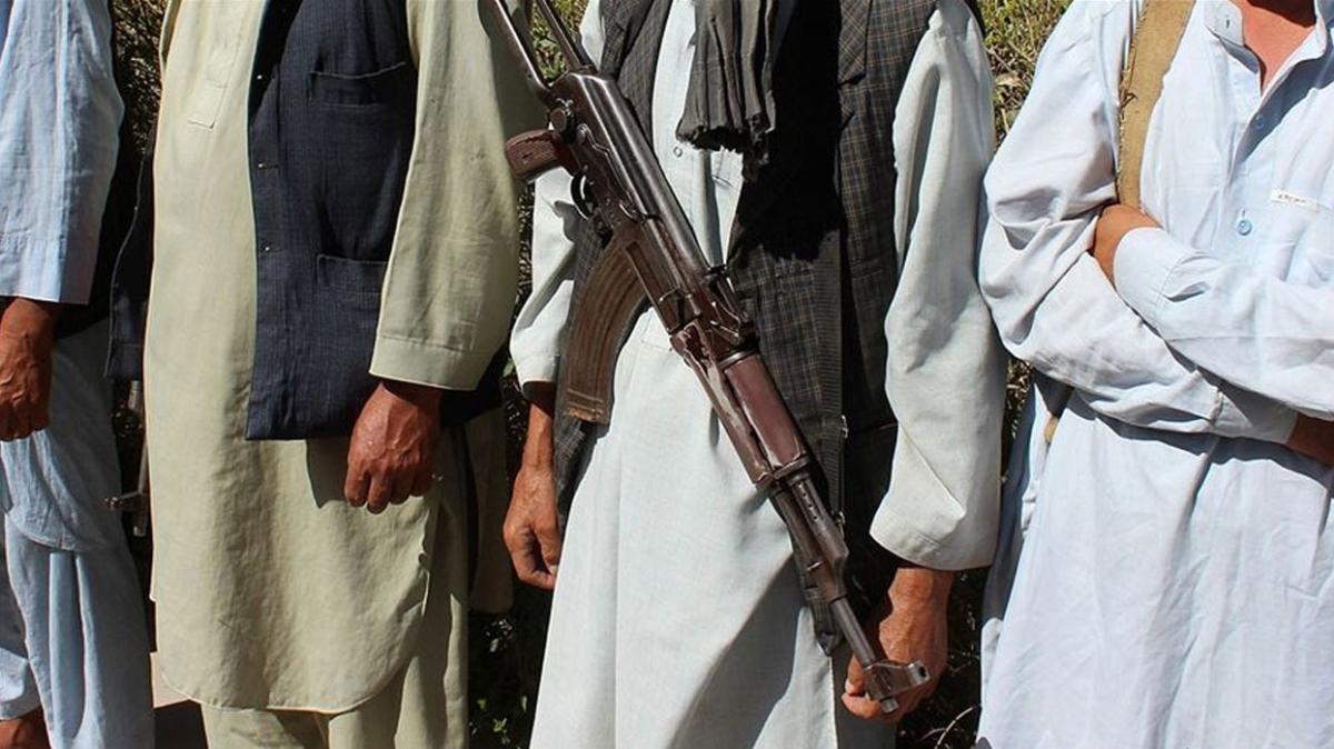 Taliban tüm üsleri sahipleniyor