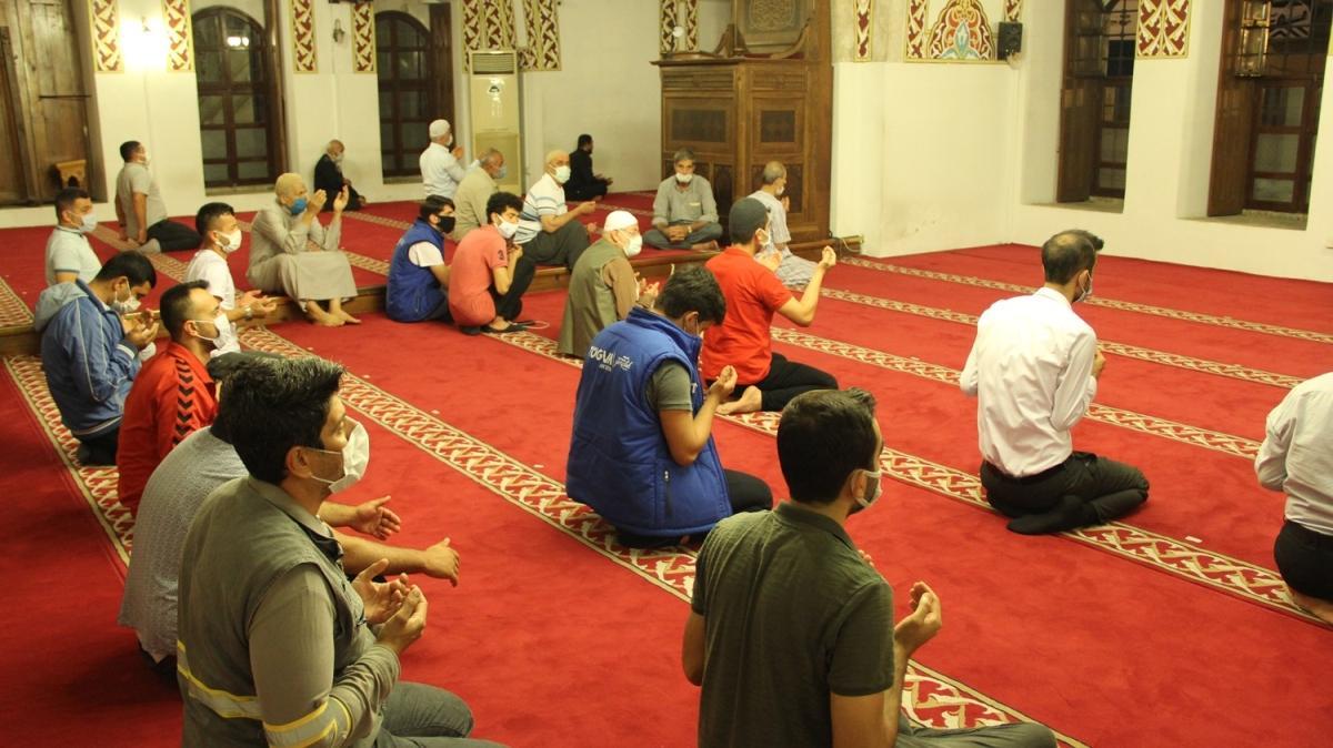 Bugün İstanbul'un fethinin yıl dönümü... Anadolu'nun ilk camisi doldu taştı