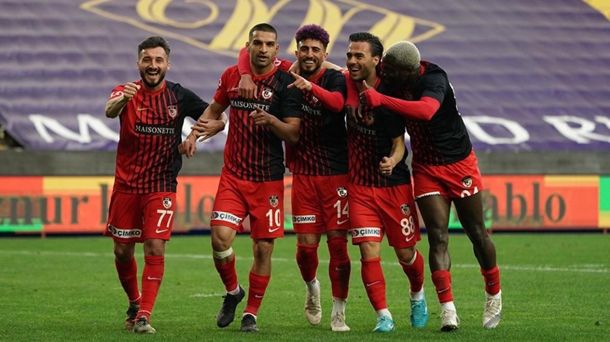 Erol Bulut'u getiren Gaziantep FK'da 3 oyuncuya veda edildi