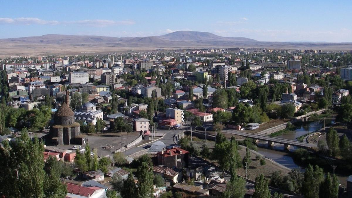 Kars Karacaören'de 280 bin TL'ye icradan satılık dubleks daire!