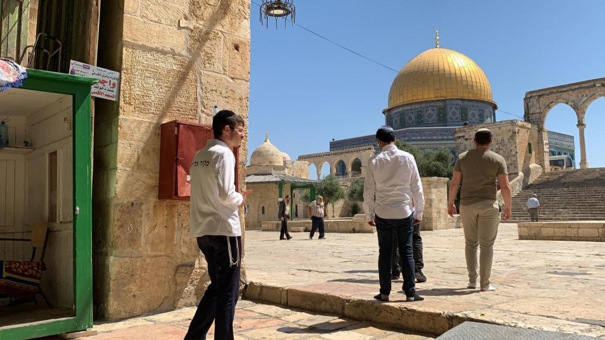 73 fanatik Yahudi'den Mescid-i Aksa'ya baskın
