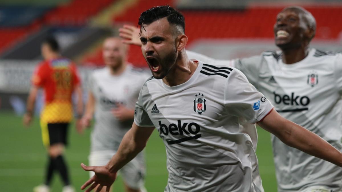 Beşiktaş Ghezzal'ın transferi için Leicester City ile pazarlıkta