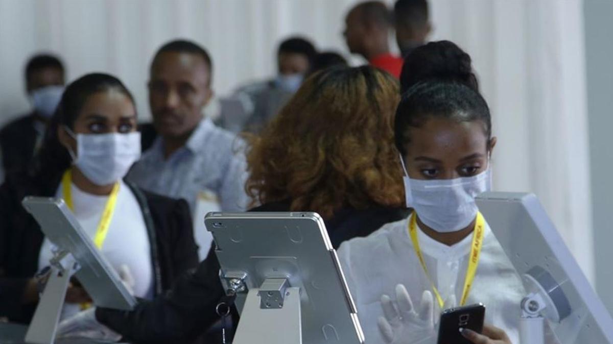 Güney Afrika Cumhuriyeti'nde koronavirüs alarmı