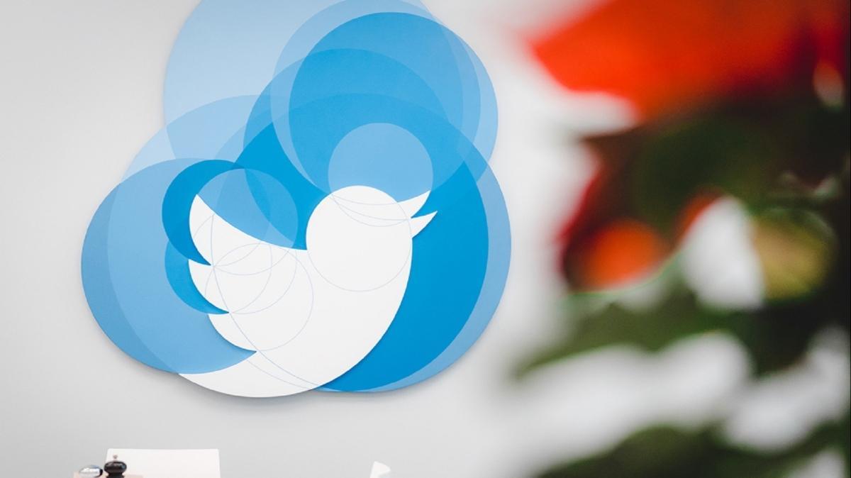 Twitter yalnızca 8 gün dayanabildi: Mavi tik başvuruları yine askıya alındı