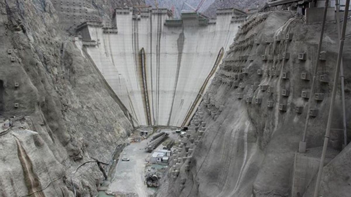 Yusufeli Barajı gövde inşaatında sona gelindi