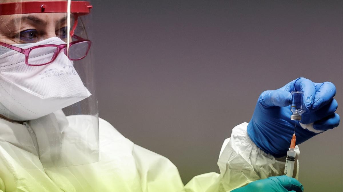 Dünya genelinde 2 milyar koronavirüs aşısı uygulandı