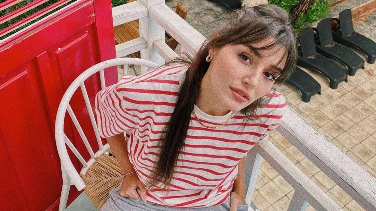 Sen Çal Kapımı'nın Eda'sı Hande Erçel 'bir uyanma hikayesi' diyerek paylaştı, sosyal medya sallandı