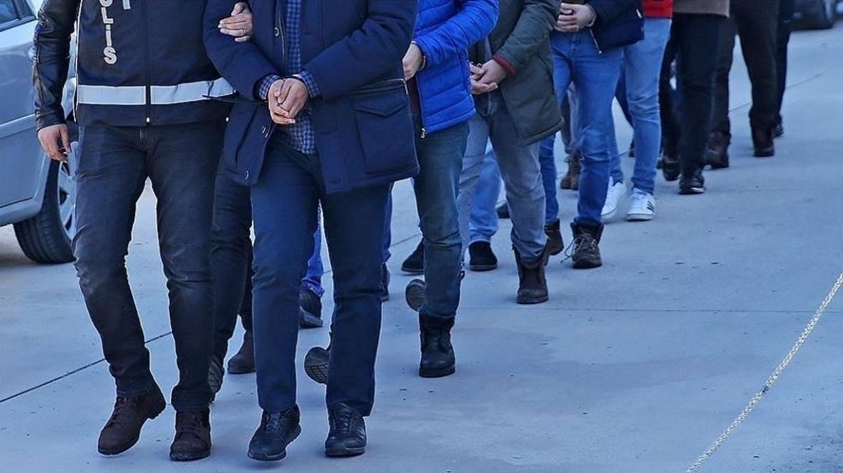 Balıkesir'de FETÖ operasyonu... 14 zanlı tutuklandı